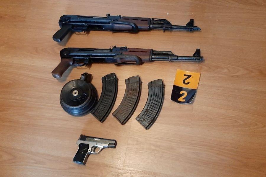 """Lišena dva lica iz Sarajeva, jedno lice se sumnjiči da je izvršilo KD """"Spolni odnošaj s djetetom"""", dok se drugo sumnjiči za KD """"Nedozvoljeno držanje oružja ili eksplozivnih materija"""""""