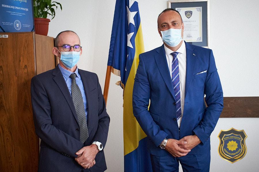 Radna posjeta FUP-u od strane Atašea za unutrašnju sigurnost ispred Ambasade Francuske BiH